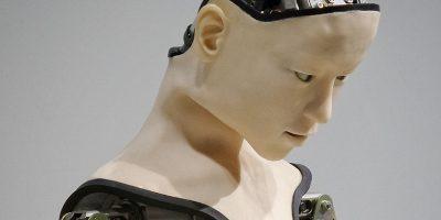 Roboter mit menschlichem Gesicht